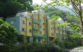 外観写真:KKR箱根青風荘