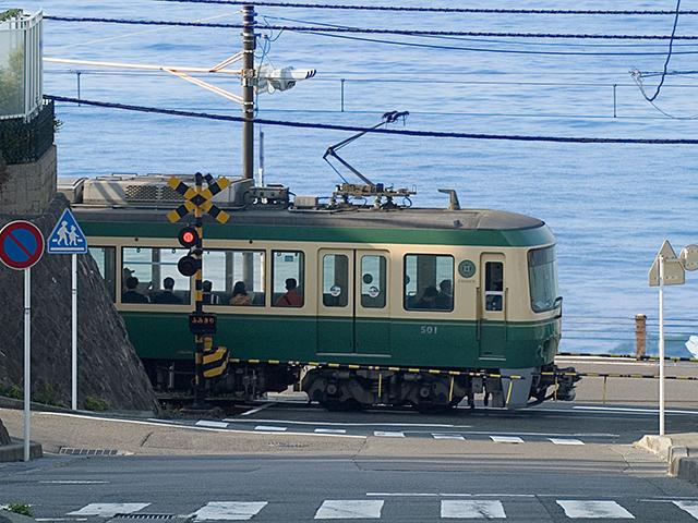 画像:江ノ電/鎌倉高校前