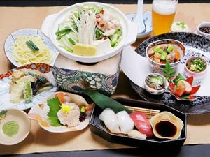 画像:博多もつ鍋彩り膳