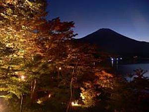 画像:山中湖もみじ秋