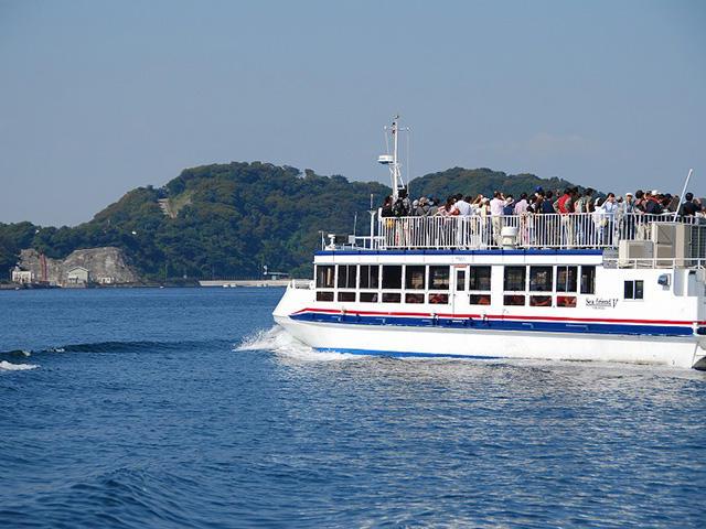 画像:横須賀軍港めぐり
