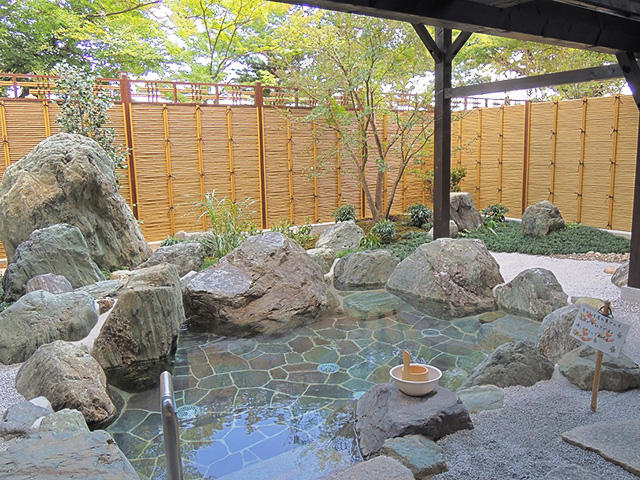 画像:温泉露天風呂