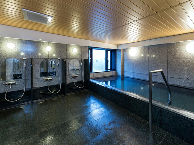 画像:共同浴室