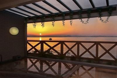 画像:朝日が見える露天風呂