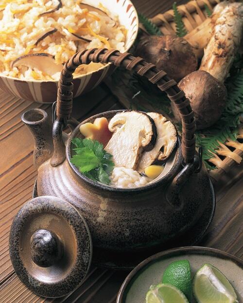 画像:松茸の土瓶蒸し(イメージ)