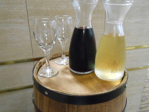 画像:山梨県産ワイン