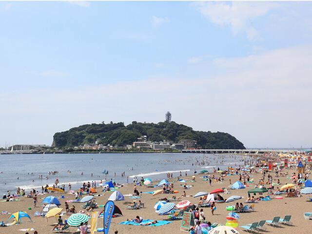 画像:江ノ島が見える片瀬海岸